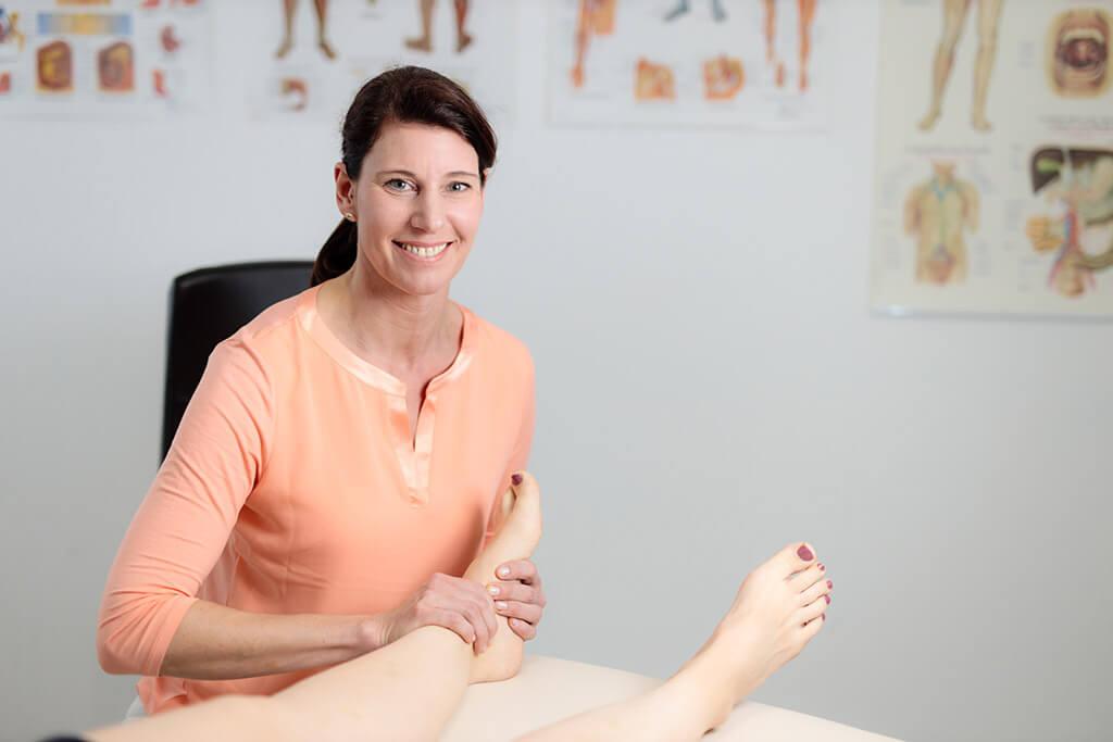 osteopathische Behandlung Beine und Füße