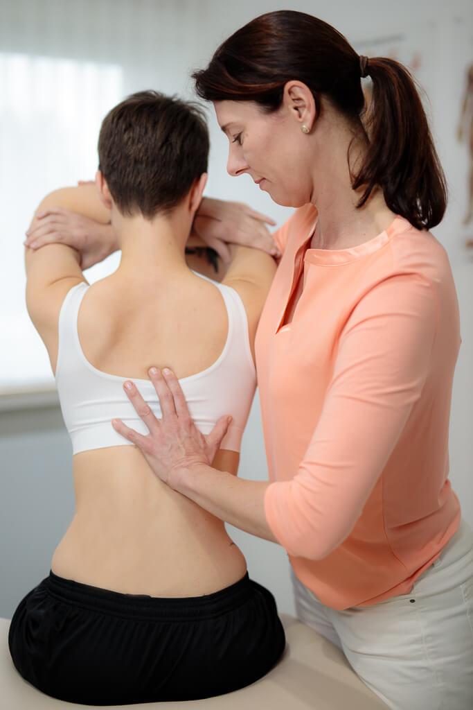 Behandlung Beschwerden Rücken