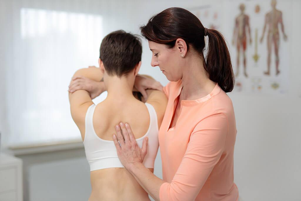 Osteopathische Behandlung von Bewegungseinschränkungen